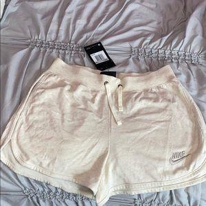 Nike Shorts with pockets NWT